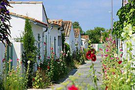 VACANCES AOUT - ILE D'OLERON - Demi-pension Village Vacances Azureva