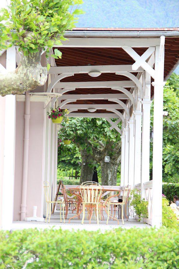 Village vacances avec pension compl te lac d 39 annecy for Vacances pension complete